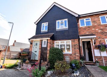 3 bed end terrace house for sale in Manor Close, Stoke Hammond, Milton Keynes MK17