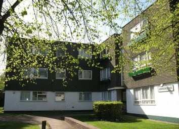 2 bed flat to rent in Uxbridge Road, Stanmore, Middlesex HA7