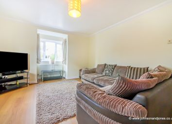 Thumbnail 2 bed flat to rent in Twynersh Avenue, Chertsey