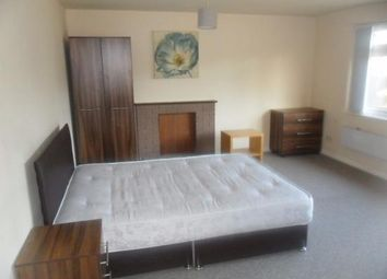Thumbnail Room to rent in Omers Rise, Reading