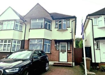3 bed property to rent in Chatham Close, Sutton, Surrey SM3