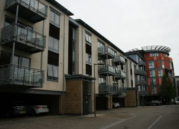 2 bed flat to rent in Quayside Drive, Colchester, Essex CO2