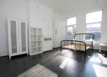 Thumbnail 4 bed flat to rent in Northfield Road, Stamford Hill