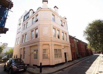 Thumbnail 4 bed flat to rent in Rampart Street, London