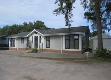 2 bed mobile/park home for sale in Worley Way, Lone Pine Park, Ferndown BH22