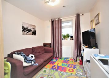 Thumbnail 2 bedroom flat for sale in Hendon Way, Cricklewood