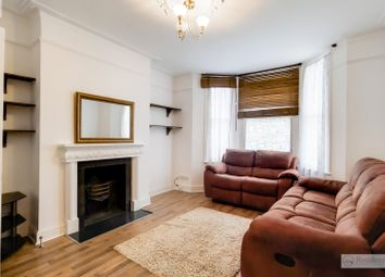 Thumbnail 1 bed flat to rent in Ravenswood Road, Balham