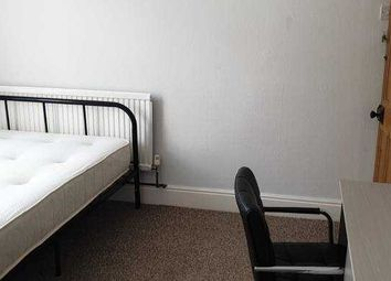 Thumbnail Room to rent in Room 2, Good Lane, Lincoln