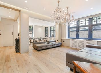 Thumbnail 3 bed flat to rent in Queen's Gate, South Kensington