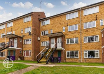 Thumbnail 2 bed maisonette for sale in Shepherds Mead, Hitchin
