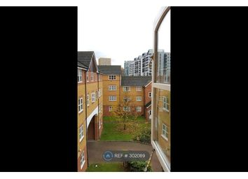 Thumbnail 1 bed flat to rent in Century House, London