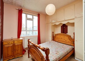 Thumbnail 3 bed flat to rent in Old Bethnal Green Road, London
