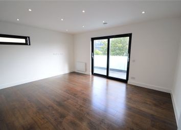 Thumbnail 1 bed flat for sale in Robert Street, Croydon