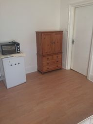 Thumbnail Room to rent in Wellesley Road, Torquay
