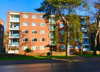 2 bed flat to rent in Surrey Road, Westbourne BH4