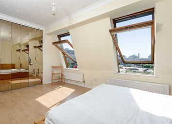 Thumbnail 4 bedroom flat to rent in Cooks Road ( Available September 2017), Kennington London