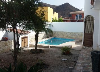 Thumbnail 4 bed villa for sale in 38650 Los Cristianos, Santa Cruz De Tenerife, Spain