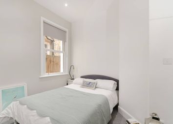 1 bed flat to rent in Upper Richmond Road West, North Sheen TW10