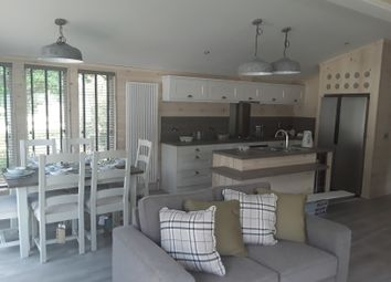 Thumbnail 2 bed mobile/park home for sale in Shorefield Road, Milford On Sea