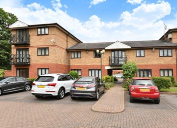 Thumbnail 1 bedroom maisonette for sale in Shaftesbury Court, Maidenhead