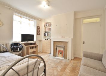 Thumbnail 1 bed flat to rent in Latymer Court, Hammersmith Road, London