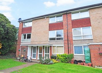 Thumbnail 2 bed maisonette to rent in Fernley Court, Maidenhead