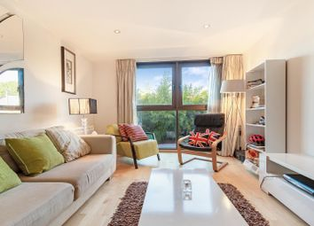 2 bed flat for sale in Petergate, London SW11