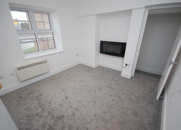 Thumbnail 1 bed flat to rent in Halls Road, Bristol