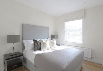 3 bed flat to rent in King Street, Hammersmith, London W6