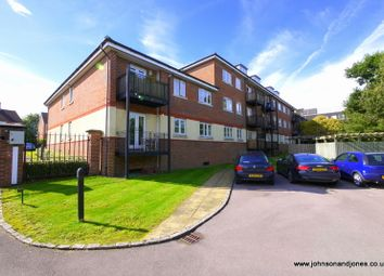 Thumbnail 2 bed flat to rent in Bourne Place, Chertsey