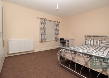 Thumbnail 1 bed terraced house to rent in Prebend Street, Bedford, Bedfordshire