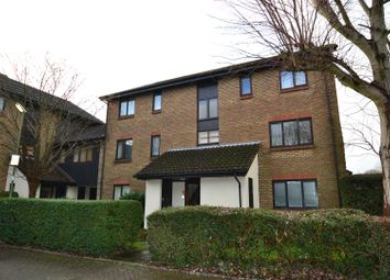 Thumbnail 1 bed flat to rent in Rickwood, Horley