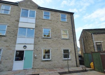 Thumbnail 2 bed flat to rent in Station Street, Glossop
