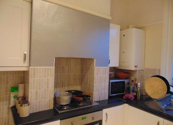 Thumbnail 2 bed flat to rent in Cedar Road, Southampton