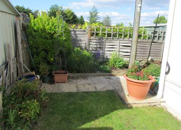 Thumbnail 2 bed mobile/park home for sale in Mullenscote Park, Amesbury Road (Ref 5670), Weyhill, Andover, Hampshire