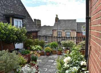 Thumbnail 3 bedroom flat for sale in St. Clements Street, Oxford