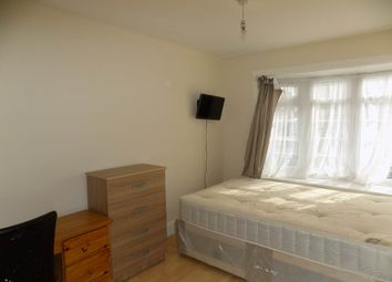 Thumbnail Room to rent in Gledwood Drive, Hayes, Middlesex