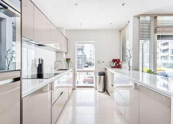Peartree Way, Greenwich SE10. 1 bed flat for sale