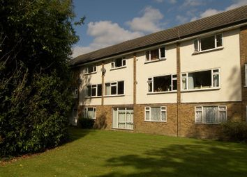 Thumbnail 2 bed maisonette to rent in Chestnut Gardens, Horsham