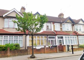 3 bed terraced house to rent in Bishops Park Road, London SW16