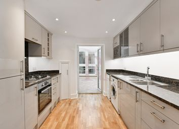 3 bed terraced house to rent in Nelson Terrace, London N1