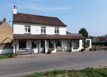 Thumbnail Pub/bar for sale in Tally Road, Oxted