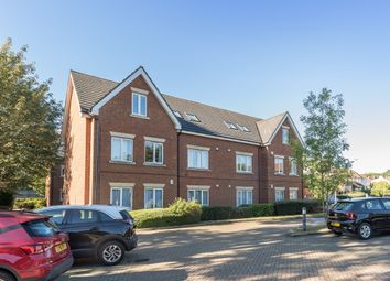 Thumbnail 2 bedroom flat to rent in Roundwood Lane, Harpenden