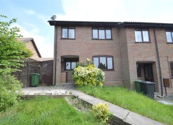 Thumbnail 2 bed town house to rent in Kirkstall Court, Calcot, Reading