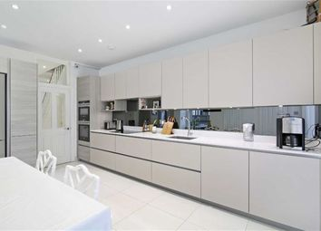 3 bed property for sale in Grosvenor Road, London E7