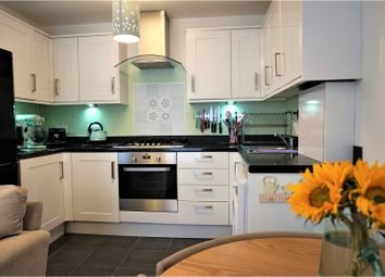 Thumbnail 2 bed flat for sale in 5 Lyons Crescent, Tonbridge