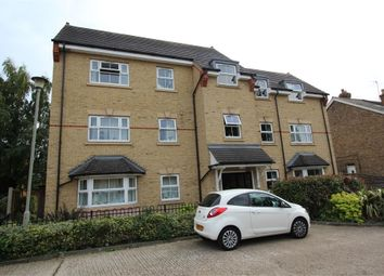 Strode Street, Egham, Surrey TW20. 2 bed flat