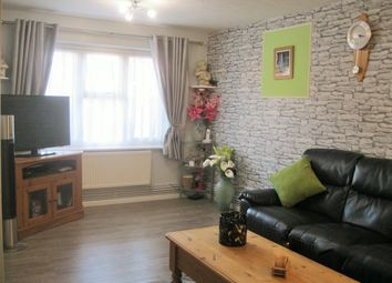 Thumbnail 2 bed flat for sale in Pursers Court, Slough