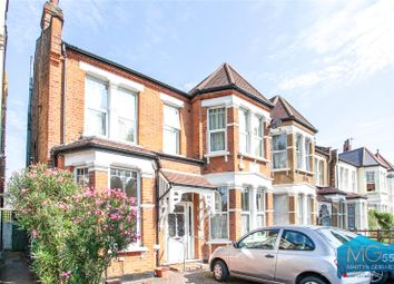 Redbourne Avenue, Finchley, London N3. 4 bed maisonette