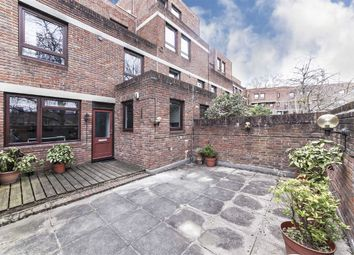 Thumbnail 2 bedroom flat to rent in Lily Close, London
